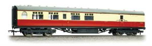 Bachmann 34-461 BR Thompson 2nd Brake Corridor, Carmine/Cream Livery